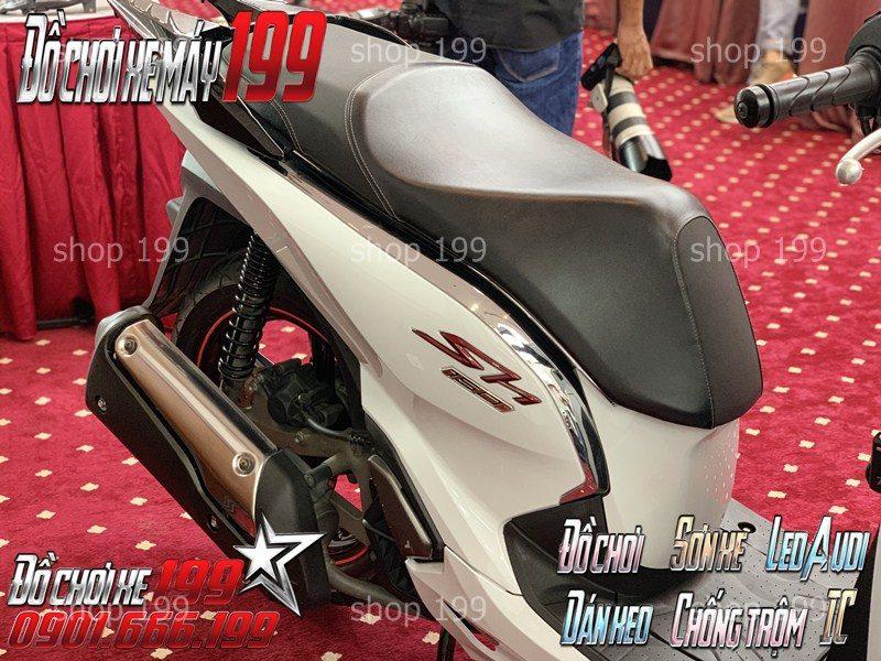 Phần đuôi xe sh 300i Z edition được lên đời cực đẹp